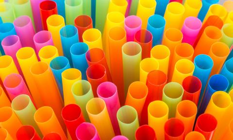 5 alternativas para abrir mão do canudo de plástico