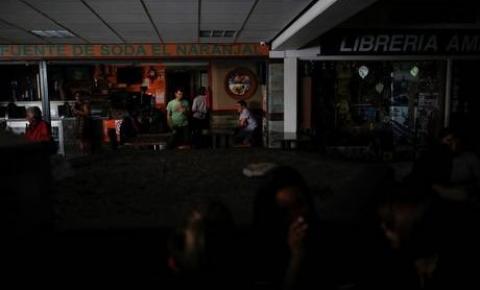 Falha elétrica deixa 80% de Caracas e estados vizinhos sem luz.