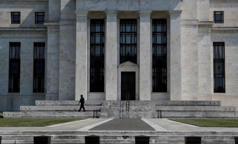 FED mantém juros e destaca forte crescimento da economia dos EUA.
