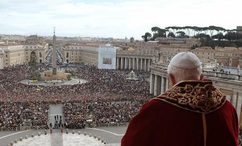 Vaticano modifica Catecismo e declara