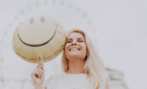 13 dicas para ser feliz na vida e na carreira, segundo o Dr. Felicidade