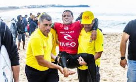 Mineirinho se lesiona e abandona bateria em Peniche; Dora é eliminado