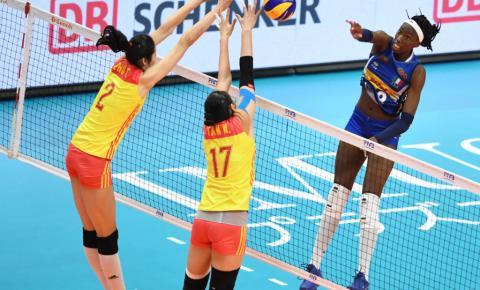 Sérvia e Itália vencem e fazem final do Mundial de Vôlei feminino