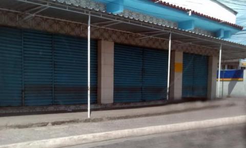 Comércio fecha por ordem do crime em São Gonçalo