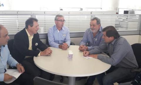 Prefeito Germano e vereadores buscam recursos para Siqueira Campos junto ao Governo do Estado