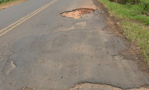 Falta de manutenção em rodovia traz transtornos para motoristas do Norte Pioneiro