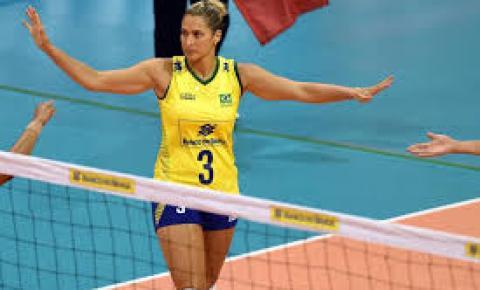 Dani Lins pede dispensa da Seleção Brasileira de vôlei