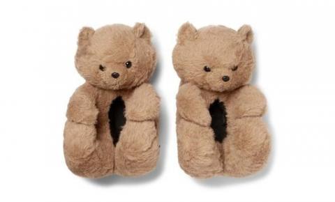 Usar pantufa de ursinho na rua finalmente virou tendência