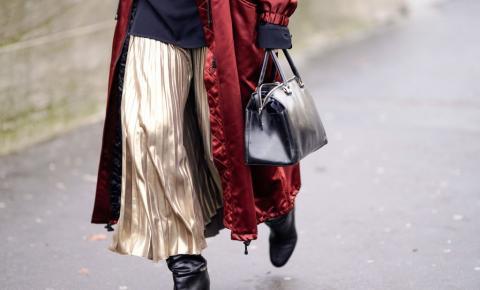 Calça ou saia? As novas modelagens soltinhas e plissadas vão te deixar em dúvida
