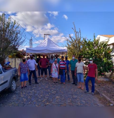 Vereador Fernandão viabiliza barracas para Feira do Produtor em Siqueira Campos