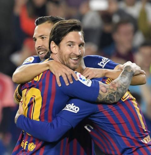 Estudo mostra abismo entre receita do Barcelona e clubes brasileiros