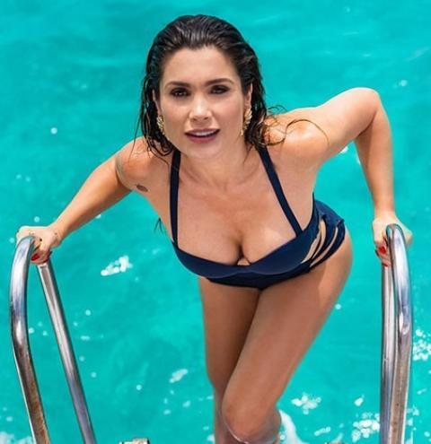 """Aos 44, Flavia Alessandra diz: """"Envelhecer faz parte do processo natural da vida"""""""