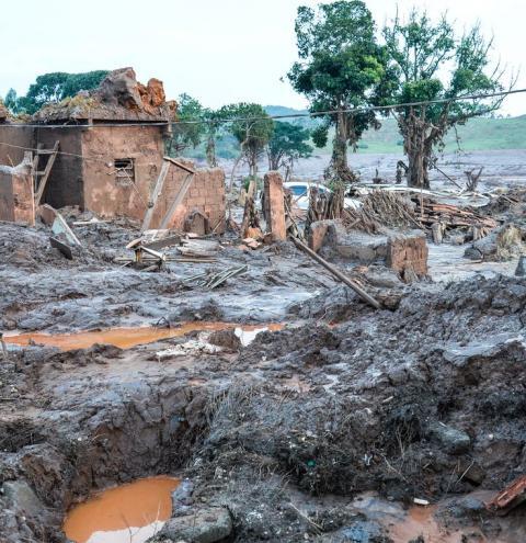 Morador sem água em Mariana pode ter indenização de R$ 10 mil, diz MP